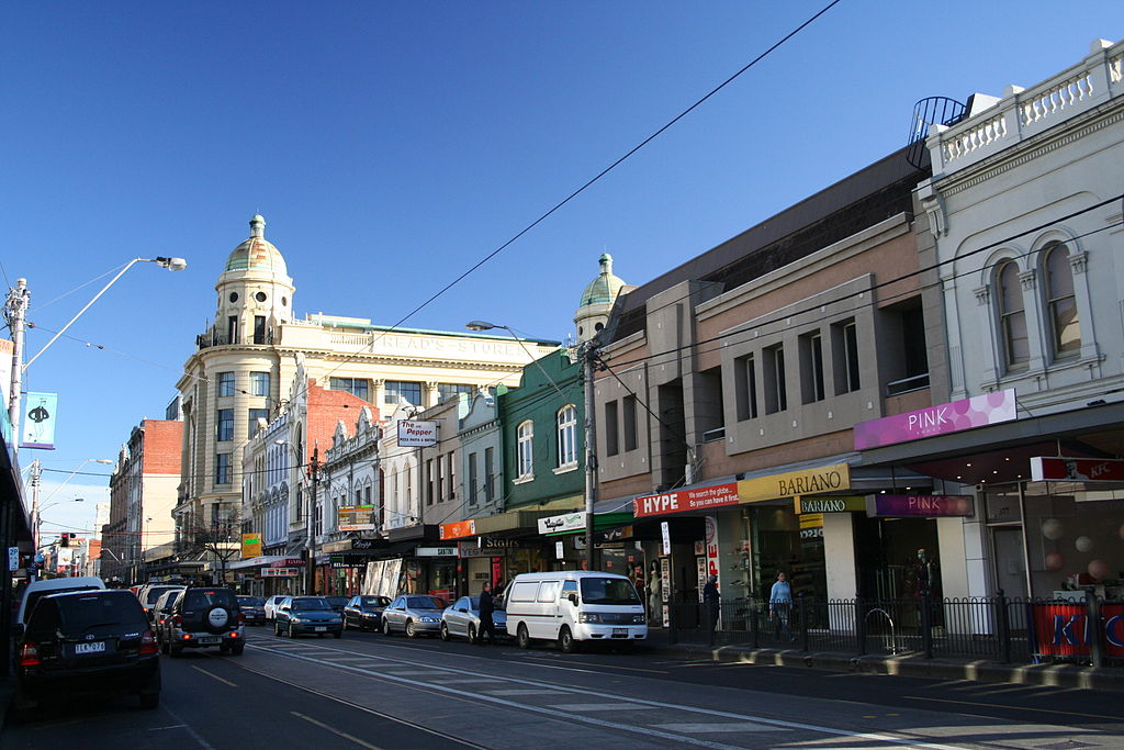 From Day to Night – Enjoying Chapel Street During the Summer Months